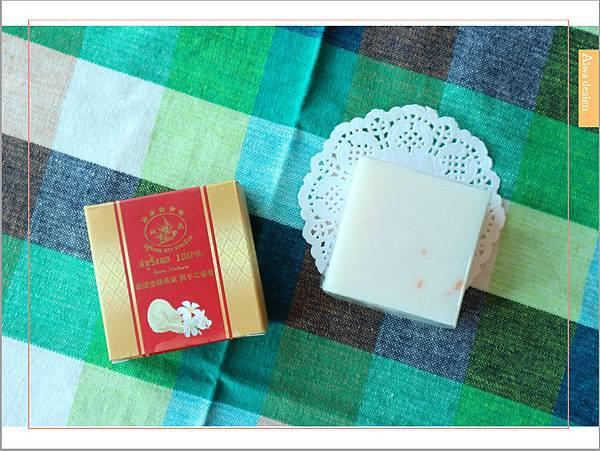 【肌膚清潔】泰國雙燕金絲燕窩手工皂,純手工製造,氣味清香-05.jpg