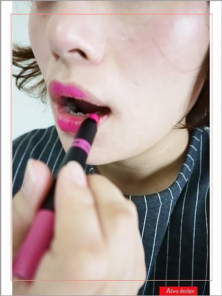 【彩妆+】敲可爱的史努比来了!《LAPCOS x Snoopy史奴比联名丝绸柔软雾面唇蜡笔》显色又持久-10.jpg