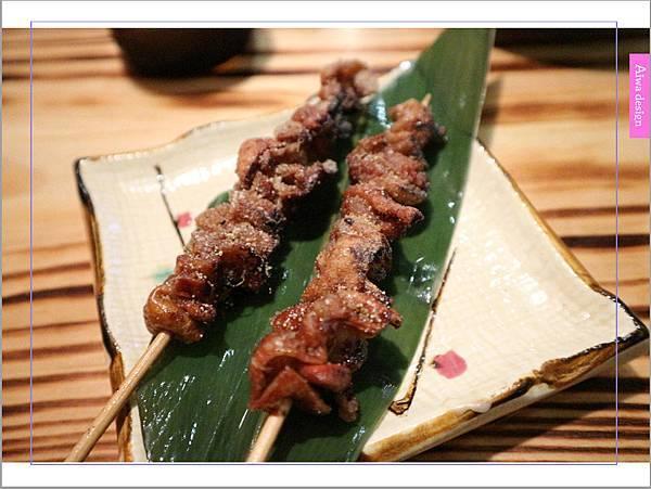 【新竹車站美食】新竹居酒屋《深夜食堂》有串燒、烤物、私房料理等,晚餐和愛人小酌約會一下-33.jpg
