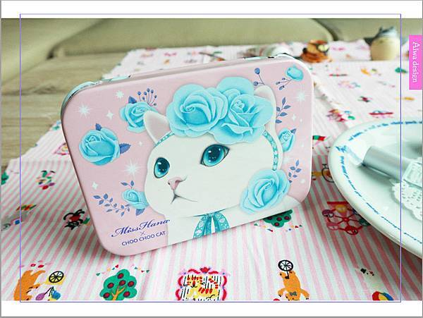 【彩妝+】萌到不行的♡Miss Hana花娜小姐 X CHOO CHOO CAT 經典眼膠筆鐵盒限定組-02.jpg