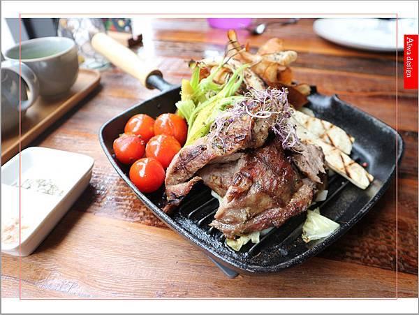 【新竹餐酒館推薦】EISEN bistro 伊比利上蓋肉豬排,軟嫩Q彈,份量足-02.jpg