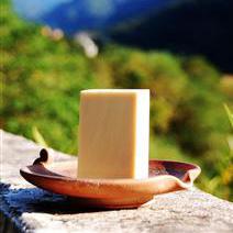 「阿公私房系列」蜂蜜牛奶皂-160.jpg