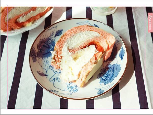 【宅配美食到我家】櫻和堂│手作生乳捲│超美味的宅配蛋糕│抹茶黑糖心+花樣草莓-12.jpg