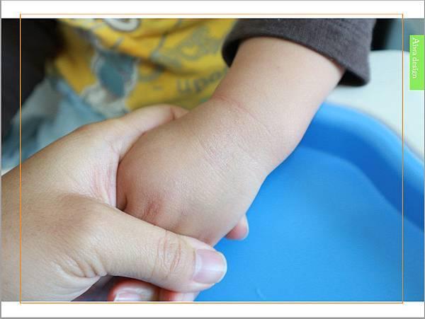 【育兒好物】天然保濕零負擔,呵護寶寶脆弱肌膚的首選, Combi 舒敏滋養乳液-08.jpg