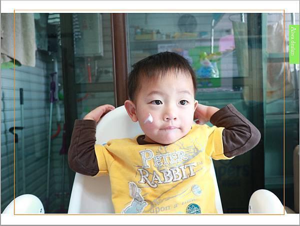 【育兒好物】天然保濕零負擔,呵護寶寶脆弱肌膚的首選, Combi 舒敏滋養乳液-10.jpg