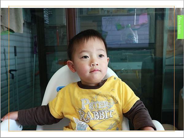 【育兒好物】天然保濕零負擔,呵護寶寶脆弱肌膚的首選, Combi 舒敏滋養乳液-11.jpg