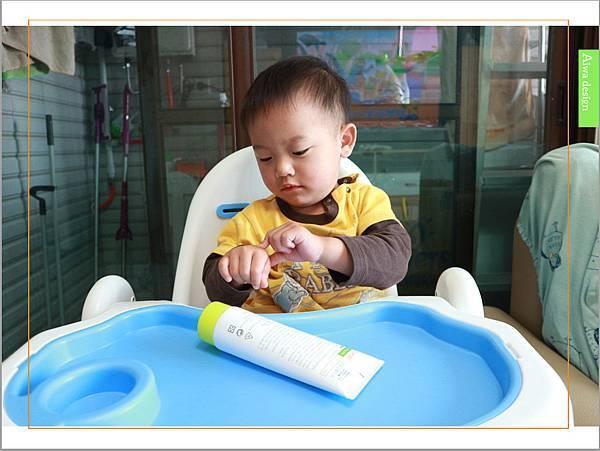 【育兒好物】天然保濕零負擔,呵護寶寶脆弱肌膚的首選, Combi 舒敏滋養乳液-12.jpg