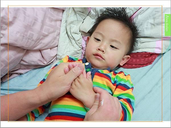 【育兒好物】天然保濕零負擔,呵護寶寶脆弱肌膚的首選, Combi 舒敏滋養乳液-14.jpg
