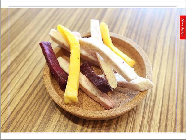 【宅配美食】果夏GrowShop 無添加蔬果脆片,品嘗蔬果果乾的香甜爽脆。 綜合地瓜條+原味敏豆脆條,大人小孩都愛吃的健康零食-01.jpg