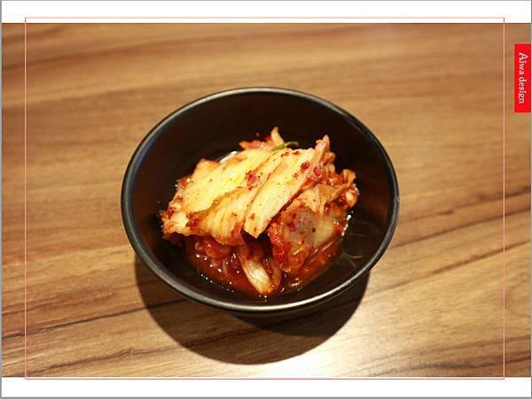 【新竹美食週記】喜樂韓式料理-山上的階梯。海鮮煎餅料多味美。道道地地的韓式料理。小菜無限供應。好停車-07.jpg