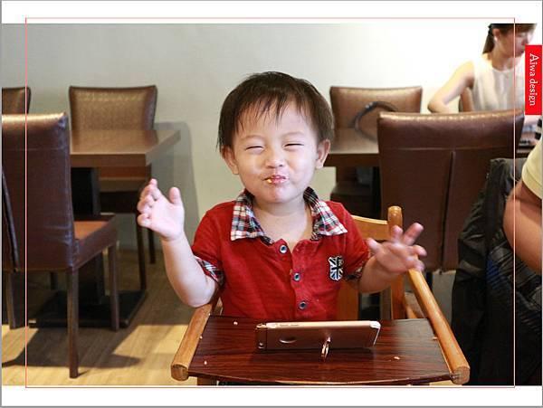 【新竹美食週記】喜樂韓式料理-山上的階梯。海鮮煎餅料多味美。道道地地的韓式料理。小菜無限供應。好停車-25.jpg