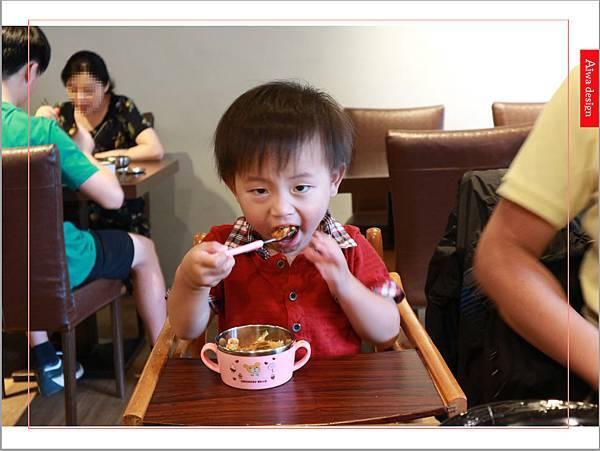 【新竹美食週記】喜樂韓式料理-山上的階梯。海鮮煎餅料多味美。道道地地的韓式料理。小菜無限供應。好停車-27.jpg