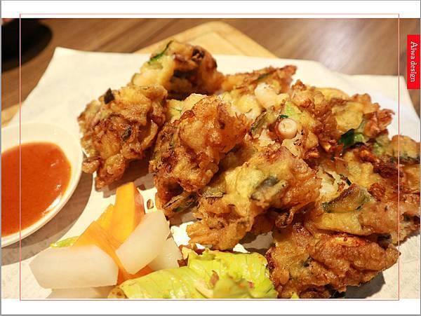 【新竹美食週記】喜樂韓式料理-山上的階梯。海鮮煎餅料多味美。道道地地的韓式料理。小菜無限供應。好停車-28.jpg