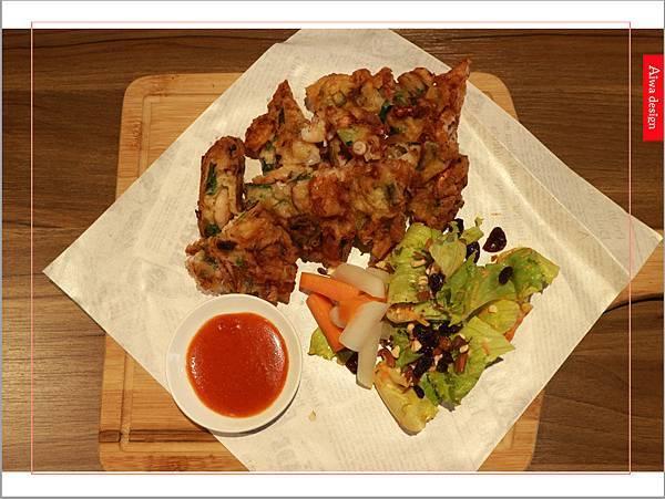 【新竹美食週記】喜樂韓式料理-山上的階梯。海鮮煎餅料多味美。道道地地的韓式料理。小菜無限供應。好停車-30.jpg