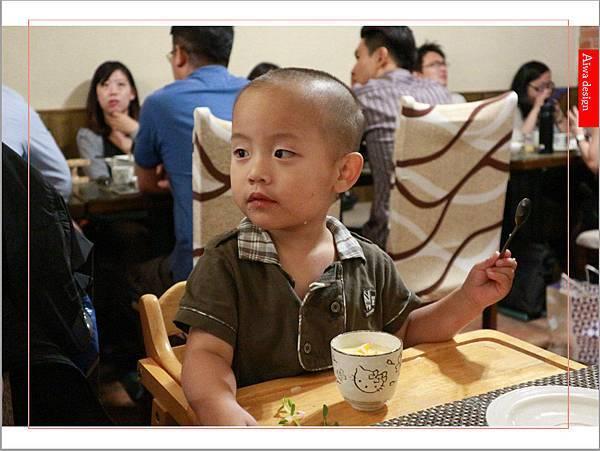 【新竹美食週記】貓町,洋食創意料理餐廳,CP值超高的套餐,貓奴必訪的主題餐廳!寵物友善餐廳-18.jpg