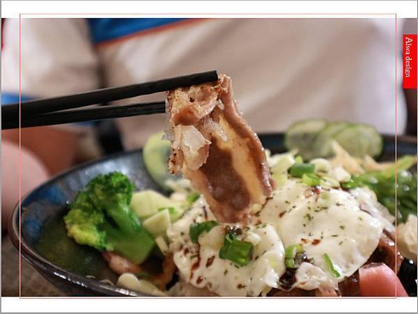 【新竹美食週記】貓町,洋食創意料理餐廳,CP值超高的套餐,貓奴必訪的主題餐廳!寵物友善餐廳-20.jpg
