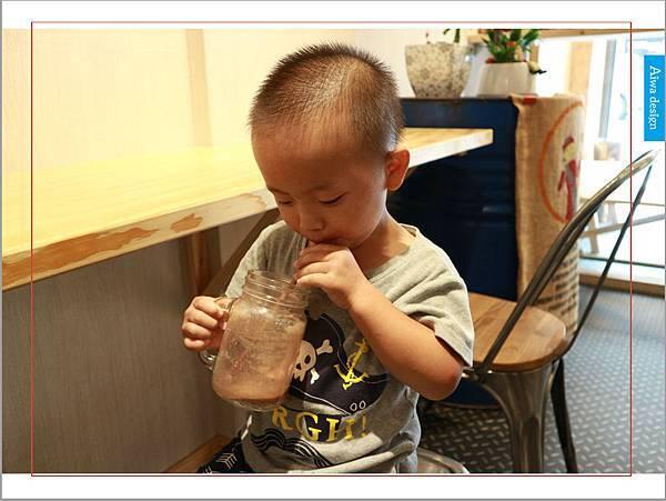 【新竹美食週記】聚咖啡 together cafe,上班族外帶咖啡專門店,環境友善,平價的好味道-20.jpg