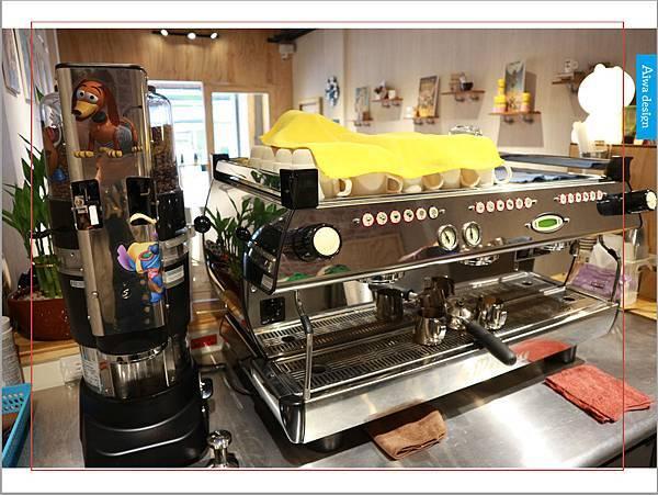 【新竹美食週記】聚咖啡 together cafe,上班族外帶咖啡專門店,環境友善,平價的好味道-28.jpg