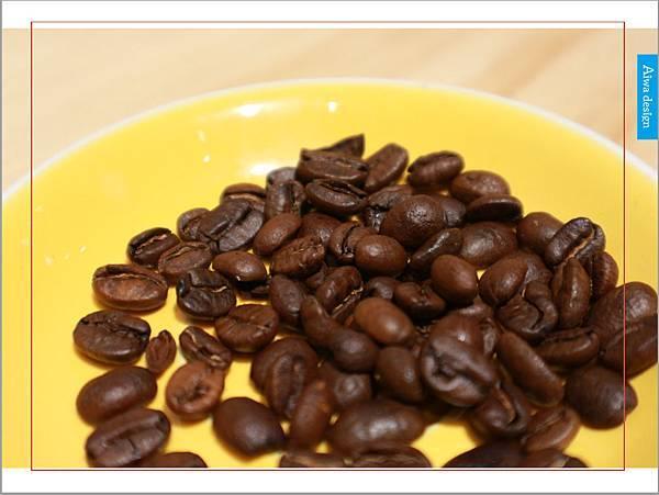 【新竹美食週記】聚咖啡 together cafe,上班族外帶咖啡專門店,環境友善,平價的好味道-29.jpg