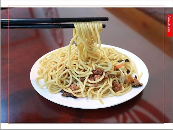 【竹北美食週記】爆師傅爌肉飯,道地的台中口味,吃粗飽的早午餐,熟悉的家常菜料理-13.jpg