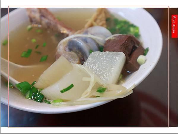 【竹北美食週記】爆師傅爌肉飯,道地的台中口味,吃粗飽的早午餐,熟悉的家常菜料理-23.jpg
