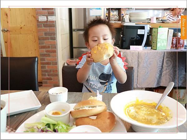 【新竹美食週記】楓咖啡,輕食早午餐美味滿分,堅持烘培生豆鮮煮好味-24.jpg