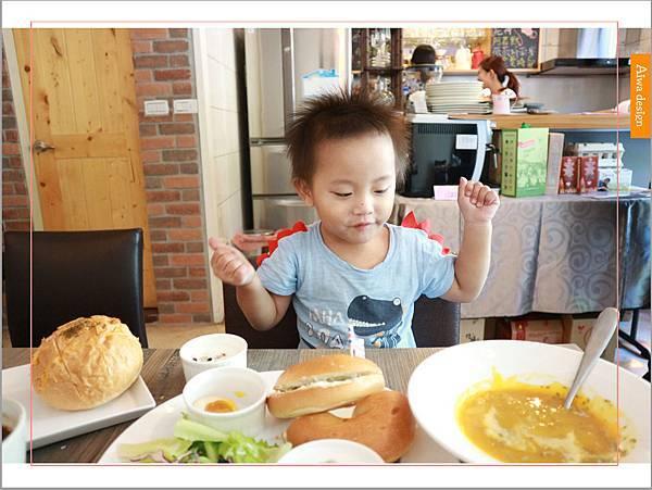【新竹美食週記】楓咖啡,輕食早午餐美味滿分,堅持烘培生豆鮮煮好味-26.jpg