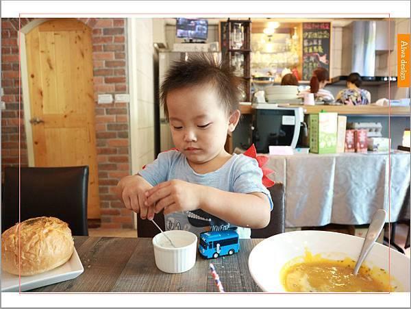 【新竹美食週記】楓咖啡,輕食早午餐美味滿分,堅持烘培生豆鮮煮好味-27.jpg