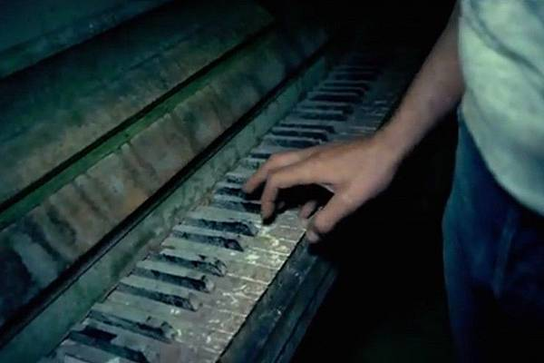 As-Above-So-Below-piano1-740x493