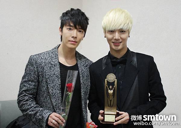 "Super Junior在""第19届韩国演艺艺术大赏""中获得了组合歌手奖"