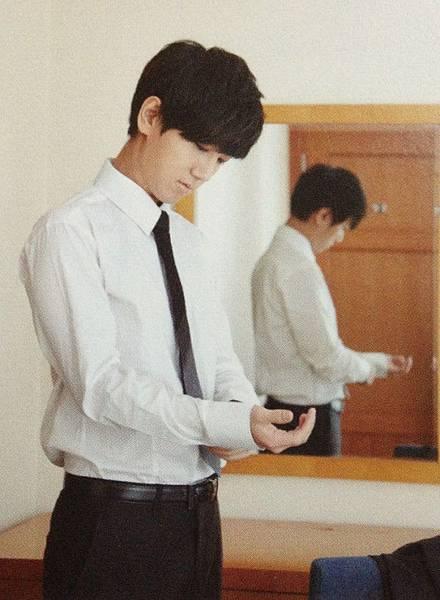 130827 #金钟云# ELF-Japan Magazine8.jpg