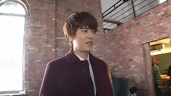 0001.音_臺-圭賢(Super Junior) - 花水木 MV拍攝花絮 中日字幕 123.jpg