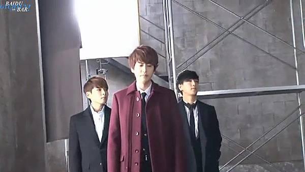 0001.音_臺-圭賢(Super Junior) - 花水木 MV拍攝花絮 中日字幕 159.jpg