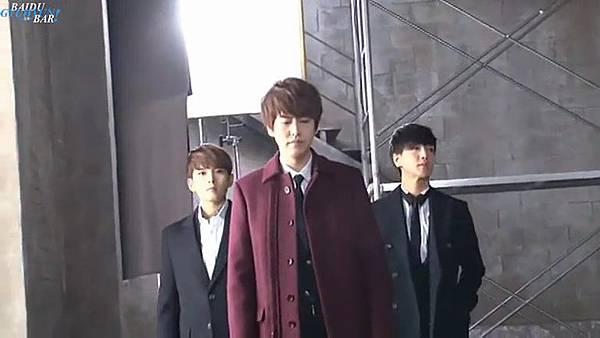 0001.音_臺-圭賢(Super Junior) - 花水木 MV拍攝花絮 中日字幕 160.jpg