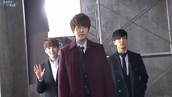 0001.音_臺-圭賢(Super Junior) - 花水木 MV拍攝花絮 中日字幕 163.jpg