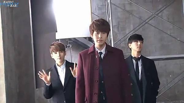 0001.音_臺-圭賢(Super Junior) - 花水木 MV拍攝花絮 中日字幕 162.jpg