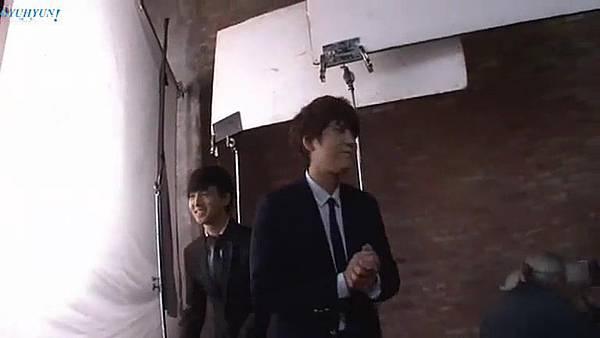 0001.音_臺-圭賢(Super Junior) - 花水木 MV拍攝花絮 中日字幕 284.jpg