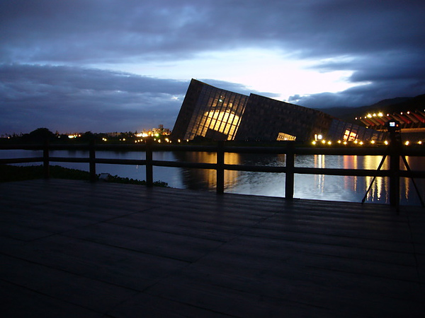 夜間的蘭陽博物館