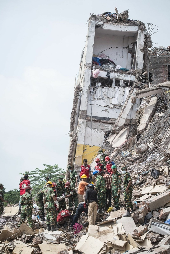 Remembering The Rana Plaza Collapse_ Heart-Wrenching Photos From The Aftermath.jpeg