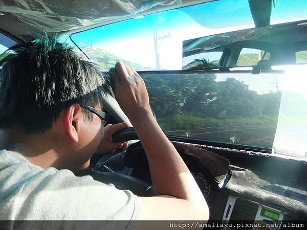 老公說一定要拍~表示他開車很搞笑...不!是辛苦!!!