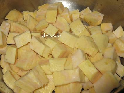 養生綠豆地瓜粽-無糖、無油、無鹽、無鹼 地瓜切丁.JPG