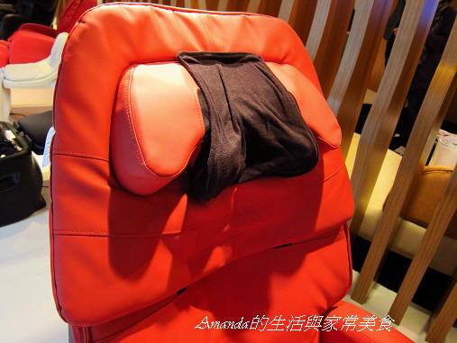 INADA按摩椅-夢幻機器人-頸部