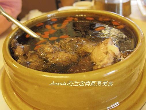 一佳村青草園-魚腥草雞湯
