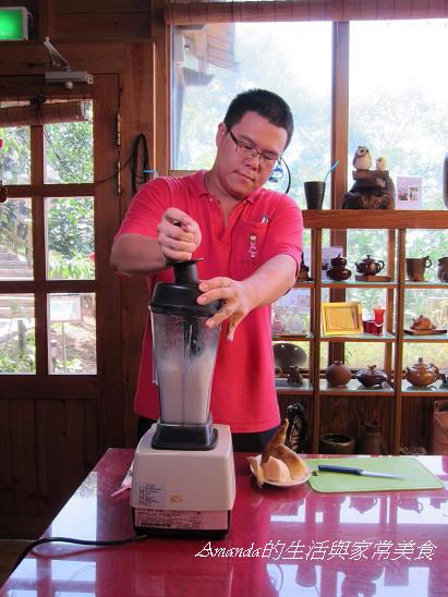 桃樂絲-製做竹筍冰沙