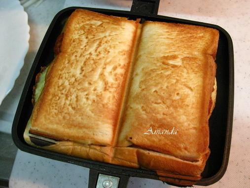 烘烤三明治