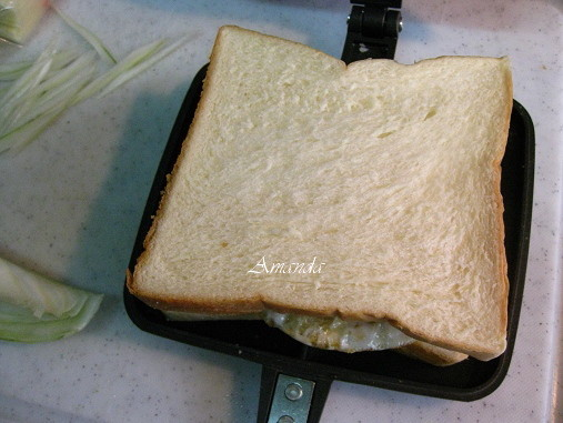 準備烘烤-三明治機