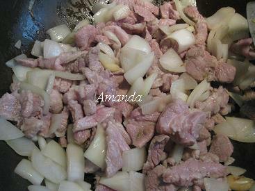 炒洋蔥肉片