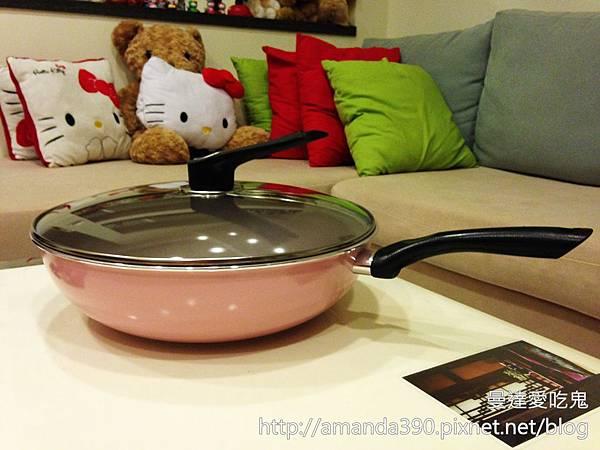 【手作料理】食譜 ● 輕鬆上手鮮奶蒸蛋 ● mama COOK 綻粉陶瓷不沾鍋具組 ❤❤