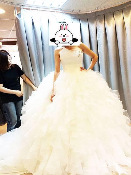 手工婚紗試穿