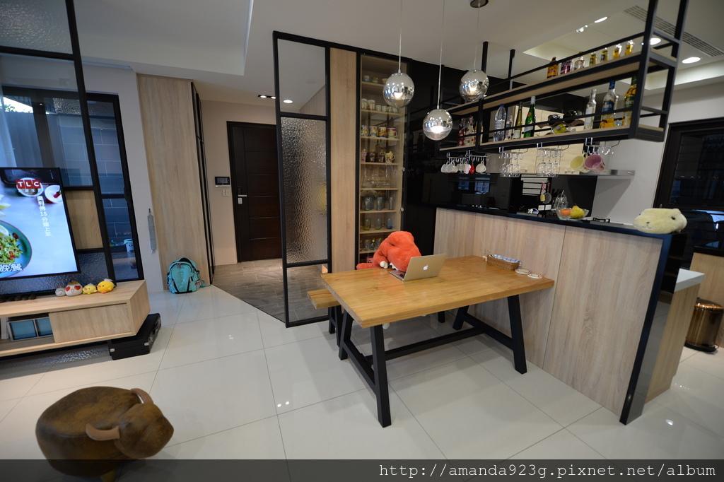 C&H 新家 簡單入厝儀式 新家開箱 客廳 餐桌